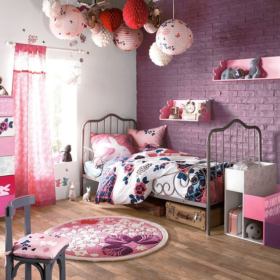 13-a-pink-exposed-brick-wall-is-an-original-take-on-traditional-brick-walls