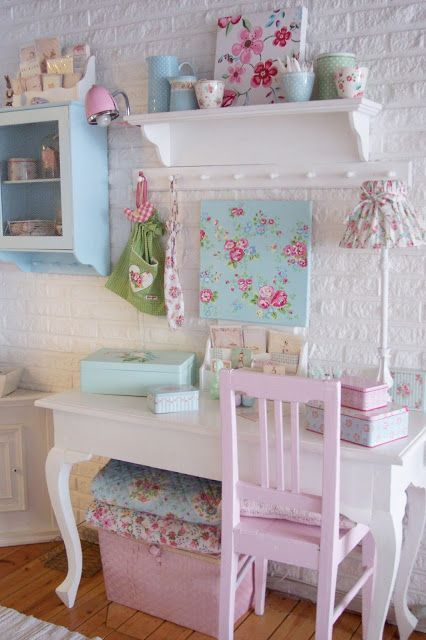17-shabby-chic-girls-room-looks-cool-with-whitewashed-brick-walls