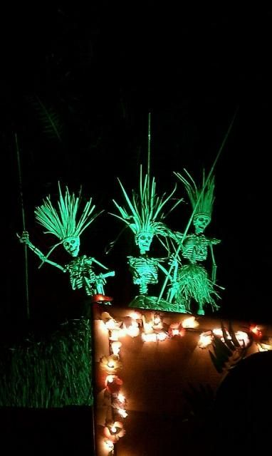 22-tropical-inspired-skeleton-scene-for-outdoors-just-add-some-lights