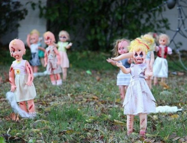 23-decorate-old-dolls-and-create-a-zombie-doll-backyard-for-cheap