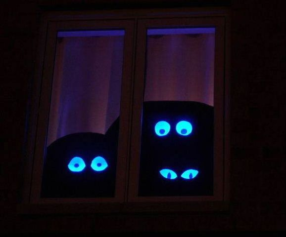 23-spooky-eyes-from-cardboard-will-make-a-cool-effect-on-your-guests