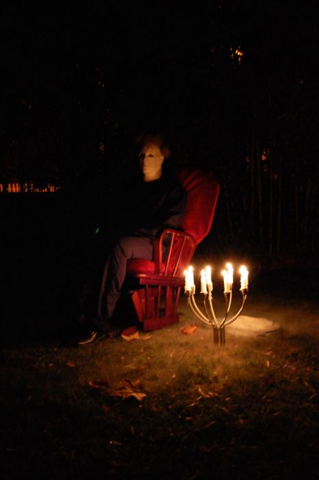26-Michael-Myers-sitting-on-a-chair-will-be-the-scariest-thign-to-see-in-the-yard
