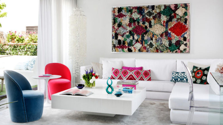 01-Las-Tablas-apartment-shows-off-Spanish-coloring-and-spirit-with-its-crisp-white-decor-and-colorful-accents-775x436