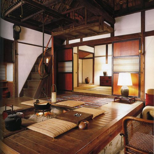 03-Japanese-folk-interior-in-shades-of-brown-and-beige