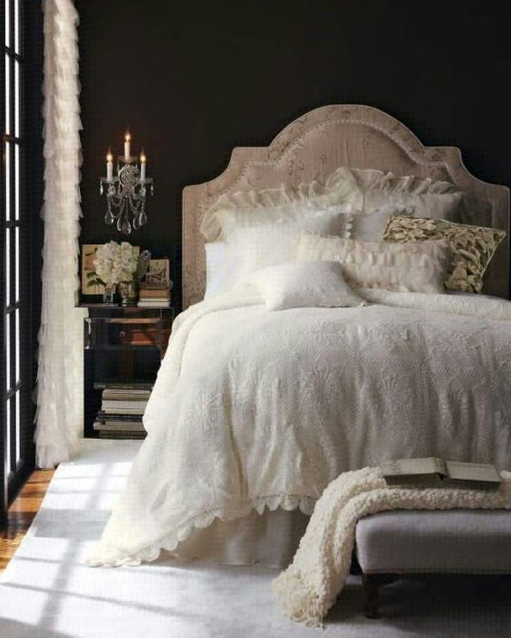 06-dark-vintage-bedroom-with-crystal-wall-lamps