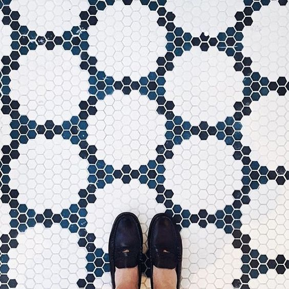07-create-various-creative-patterns-and-looks-using-penny-tiles-of-different-shades