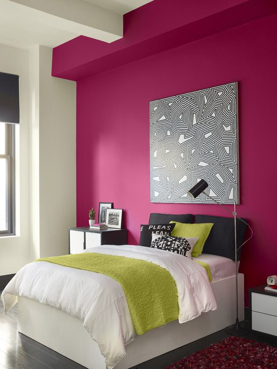 07-hot-pink-accent-wall-in-a-modern-bedroom-looks-passionate