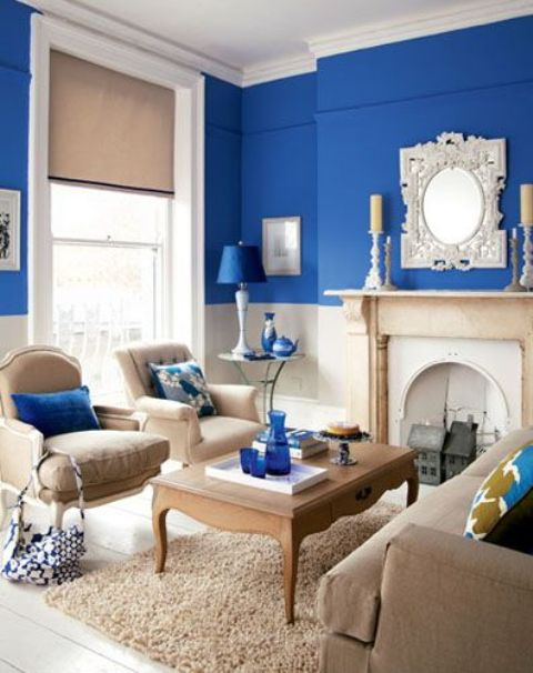08-beautiful-beige-room-with-splashes-of-bright-blue-and-a-bright-blue-acent-wall