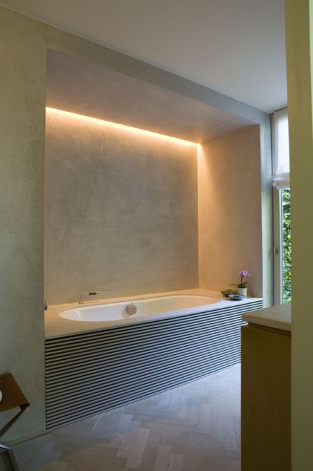 09-hidden-lights-in-the-bathtub-niche-to-add-more-light-while-having-a-bath