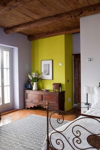 10-neon-yellow-accent-wall-looks-fantastic-in-a-vintage-and-rustic-style-bedroom