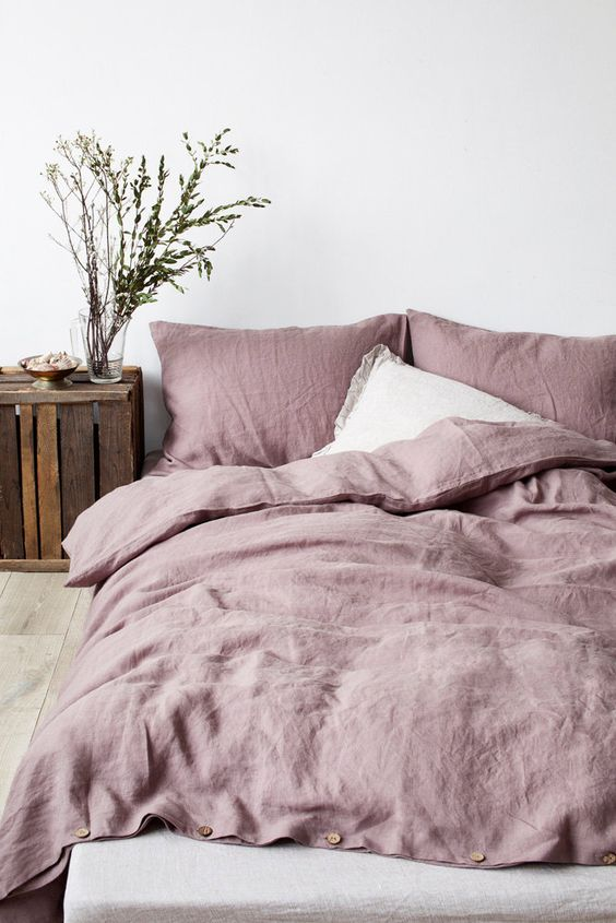 11-cozy-pastel-bedding-for-a-rustic-bedroom