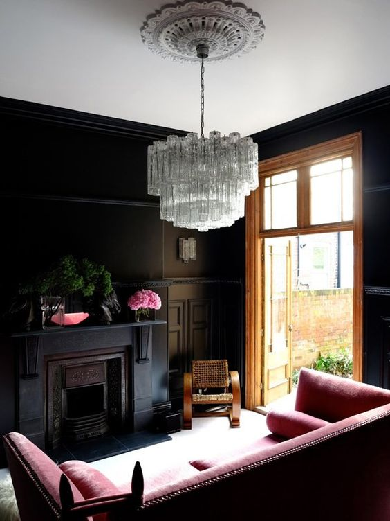 11-small-living-room-in-black-with-red-furniture