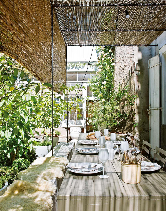12-A-covered-outdoor-dining-space-is-a-must-for-any-rural-home-and-this-one-is-very-relaxing