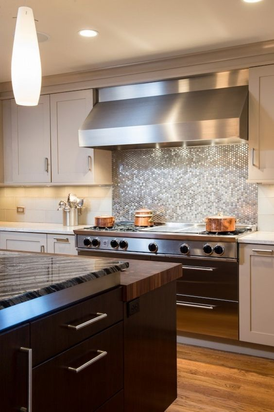12-glowing-silver-penny-tile-backsplash-looks-great-with-a-stainless-steel-hood