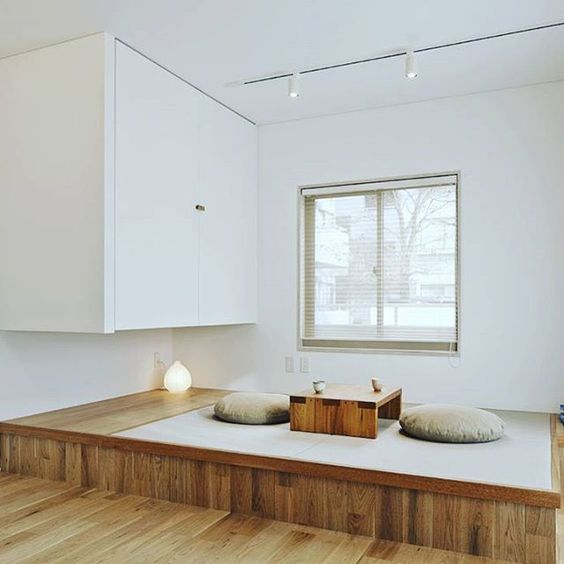 12-tea-ceremony-area-with-a-low-wooden-table-and-floor-cushions