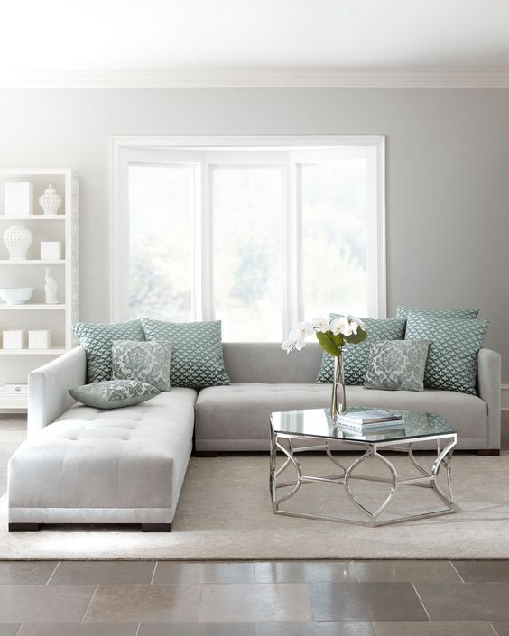 13-minimalist-interior-in-dove-grey-with-patterned-green-textiles