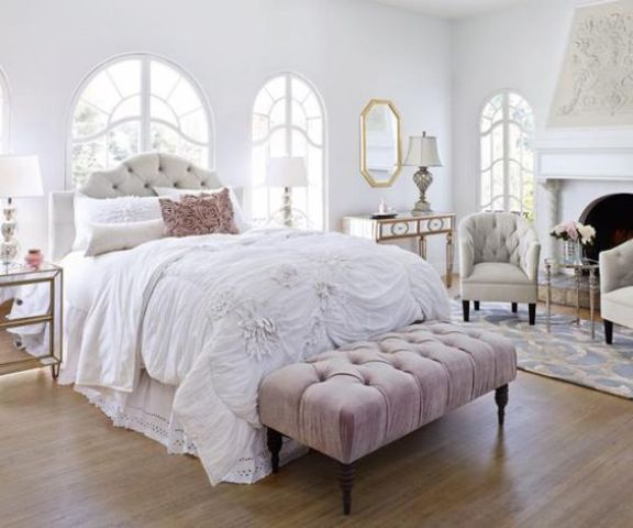 13-white-and-pale-pink-for-decorating-a-romantic-bedroom