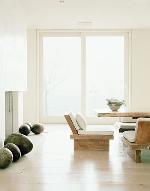 15-Japanese-style-chairs-with-cushions-and-a-table