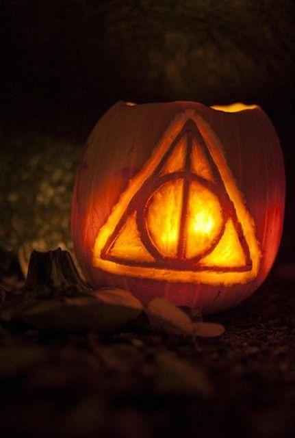 17-The-Deathly-Hallows-symbol-from-the-Harry-Potter-series
