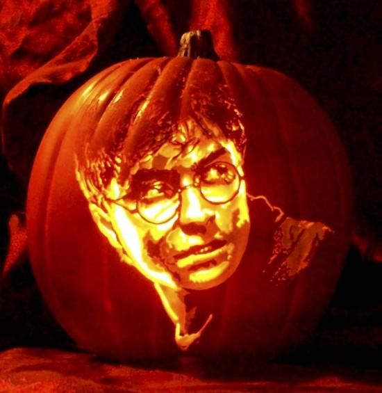 18-Harry-Potter-face-pumpkin-carving-right-like-in-the-movie