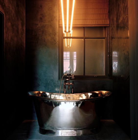 18-industrial-space-with-a-metallic-bathtub-for-a-masculine-bathroom