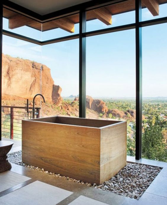 22-wooden-soaking-bathtub-with-a-view
