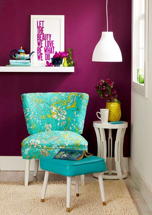 24-purple-accent-wall-for-a-girlish-reading-nook