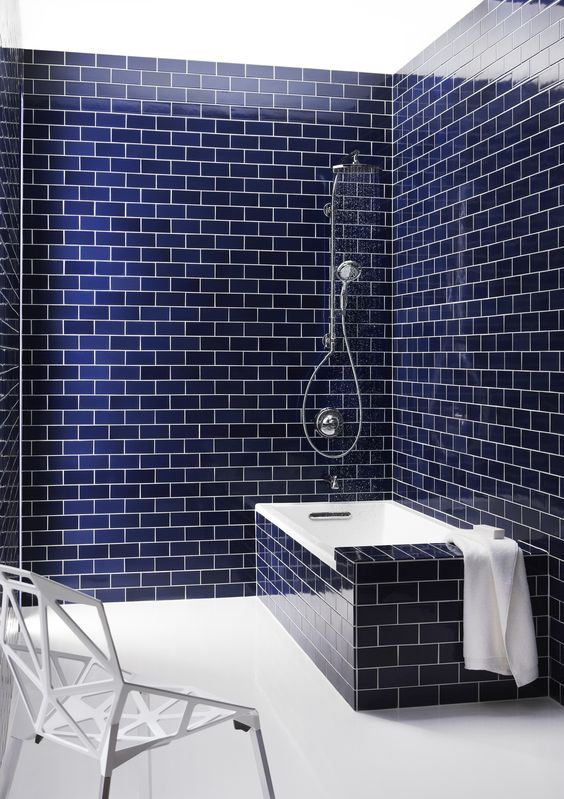 25-navy-blue-subway-tiles-on-the-walls-and-bathtub