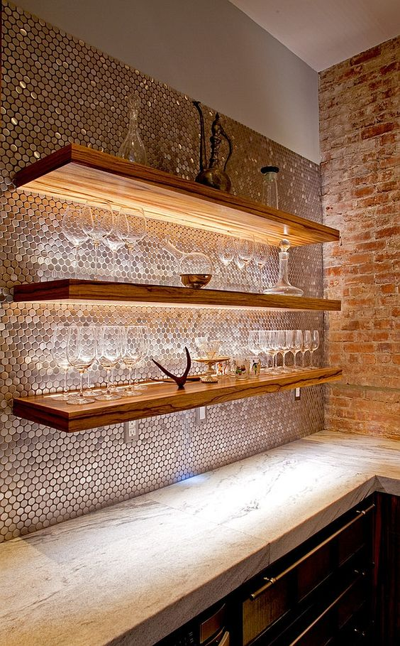 25-smart-lighting-to-highlight-architextural-features-penny-tiles-reflect-the-light