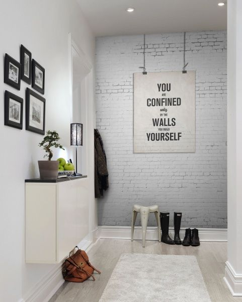 28-light-grey-wall-made-with-wallpaper-for-a-modern-entryway