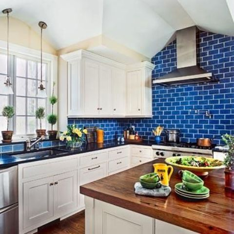 29-bold-blue-subway-tiles-to-make-the-cabinetry-look-fresher