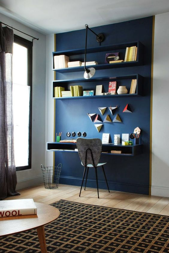 29-navy-accent-wall-show-off-the-home-office-nook