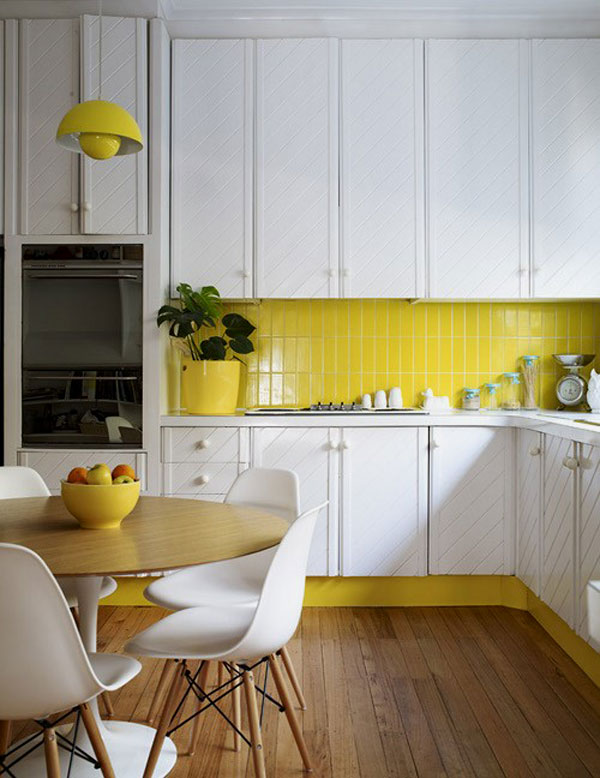 31-vertical-stack-bond-clad-subway-tiles-in-this-kitchen-add-a-pop-of-color