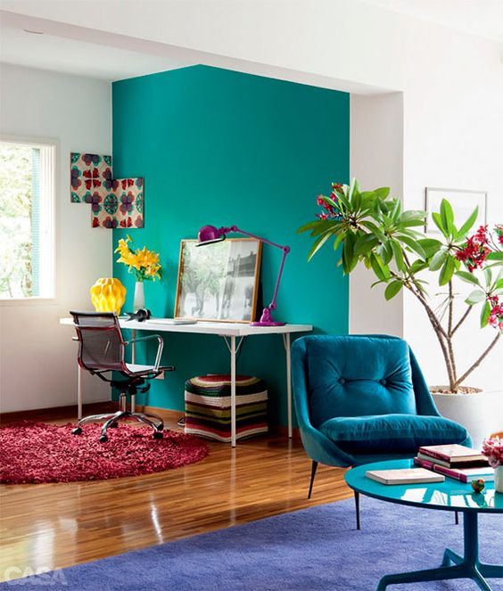 31-vibrant-turquoise-wall-to-highlight-and-separate-the-home-office-nook