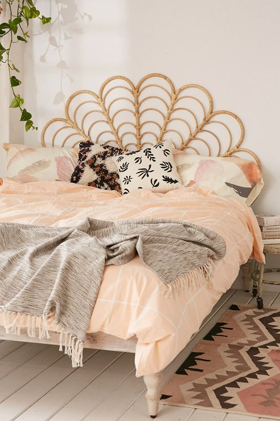 33-rattan-headboard-for-a-boho-styled-bedroom