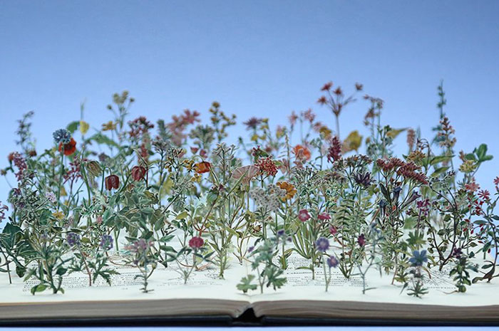 illuminated-book-sculpture-su-blackwell-1-57ee4977eaa96__700