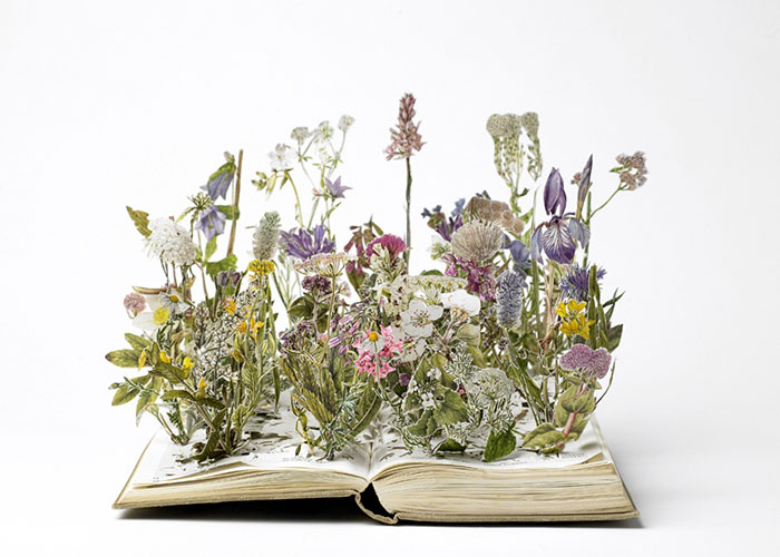 illuminated-book-sculpture-su-blackwell-41-57ee49d614a46__700
