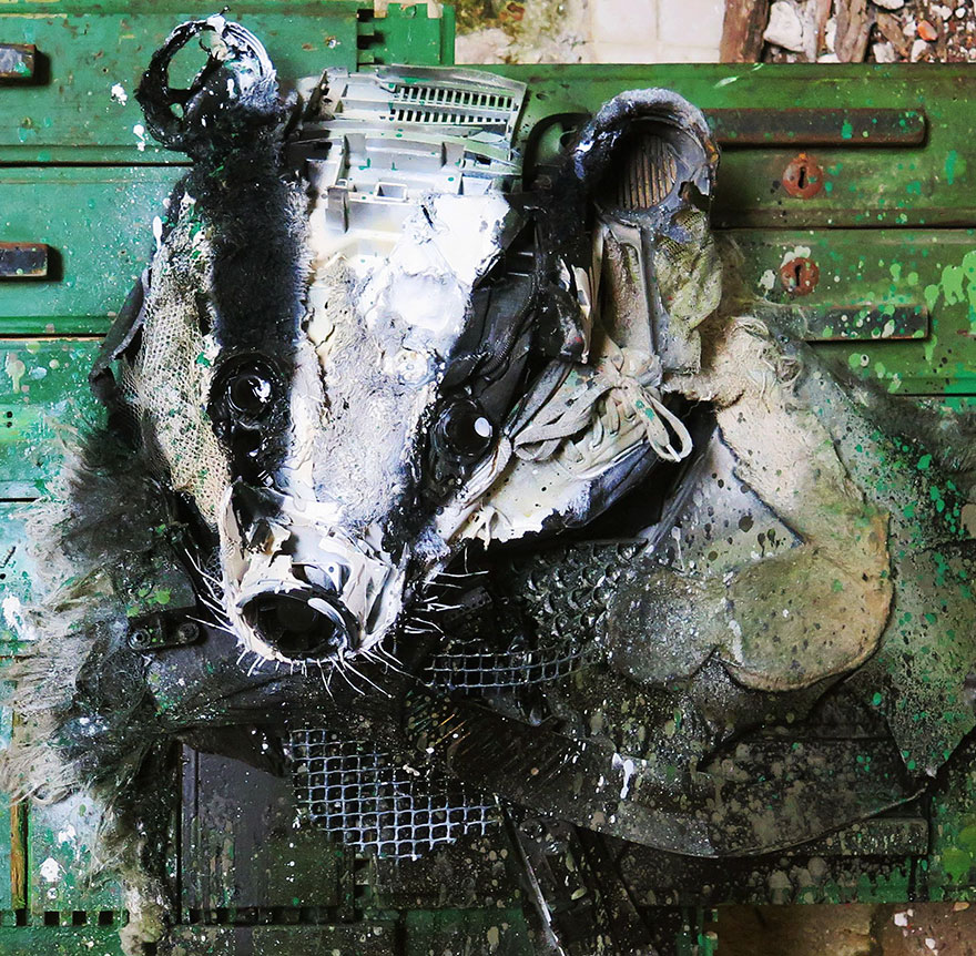 trash-animal-sculpture-artur-bordalo-14-57ea1bc509bc7__880