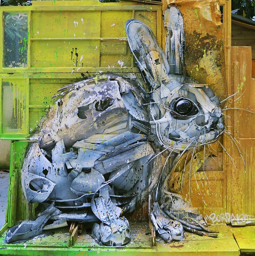 trash-animal-sculpture-artur-bordalo-28-57ea1bea49acd__880
