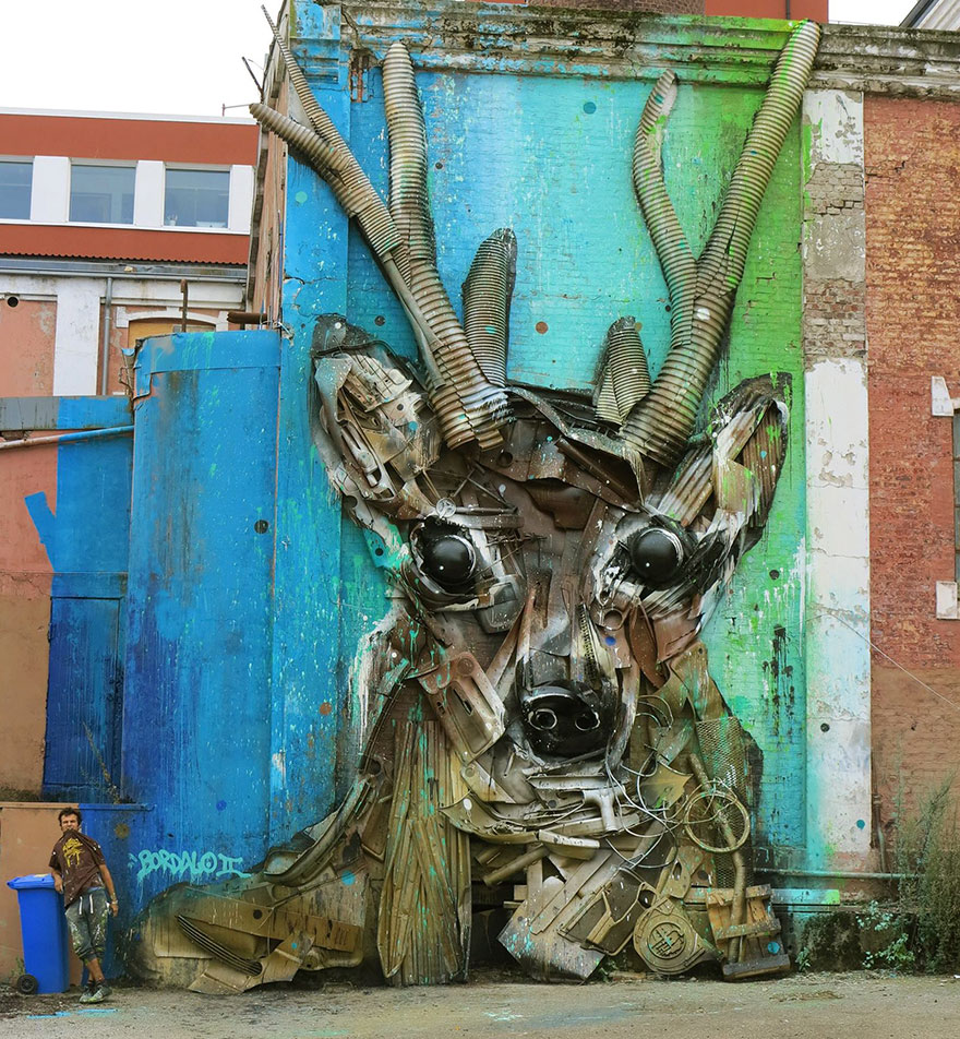 trash-animal-sculpture-artur-bordalo-39-57ea1c0383427__880