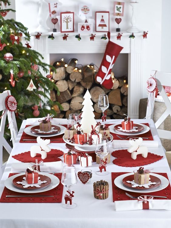 02-a-modern-red-and-white-table-setting-red-and-wwhite-ornaments-and-stockings