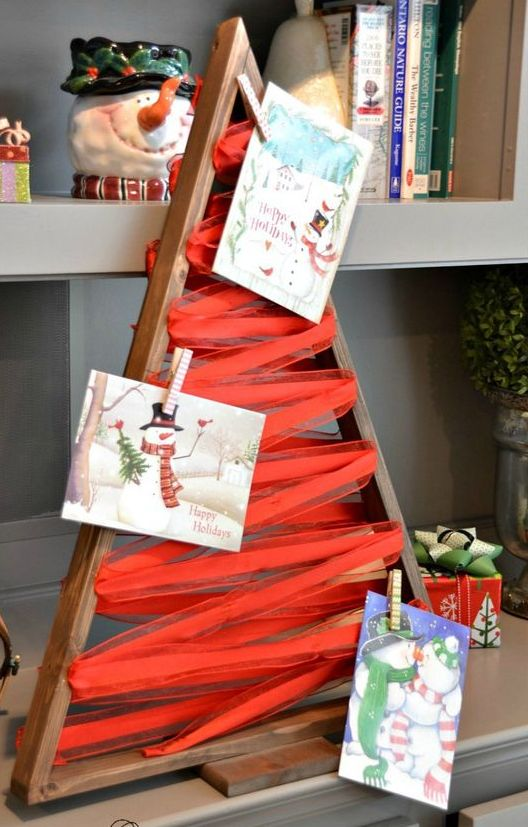 02-a-wooden-tree-frame-with-ribbon-for-hanging-cards