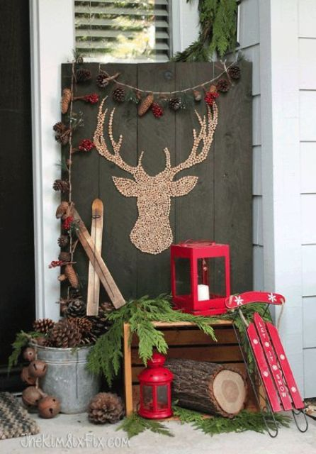02-barnwood-sign-with-a-deer-silhouette-made-of-cork