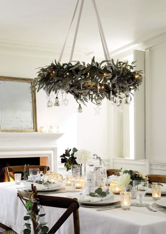 03-a-hanging-wreath-chandelier-with-silver-ornaments-and-lights