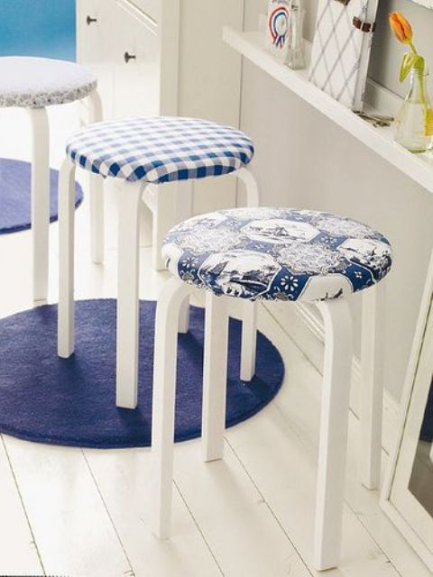 03-blue-and-white-upholstering-for-IKEA-Frosta