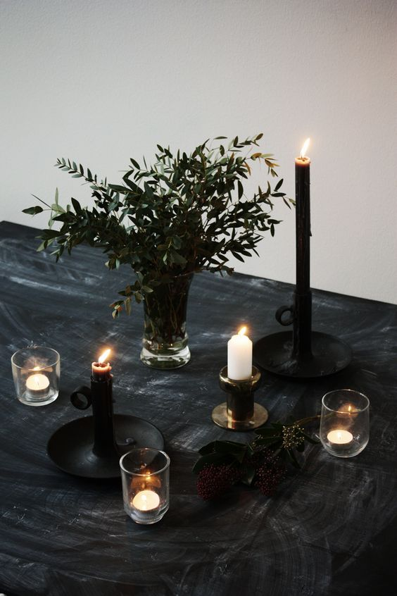 03-charcoal-black-tablecloth-greenery-and-candles