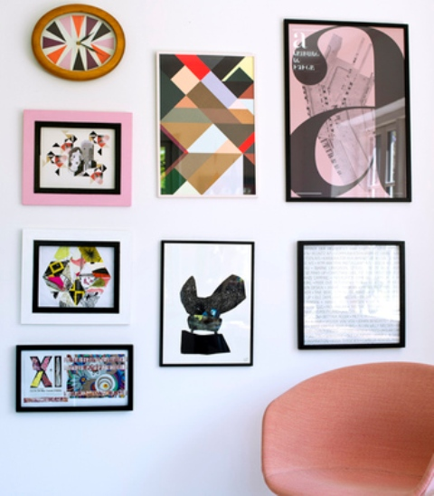 04-One-of-the-walls-is-covered-with-colorful-artworks
