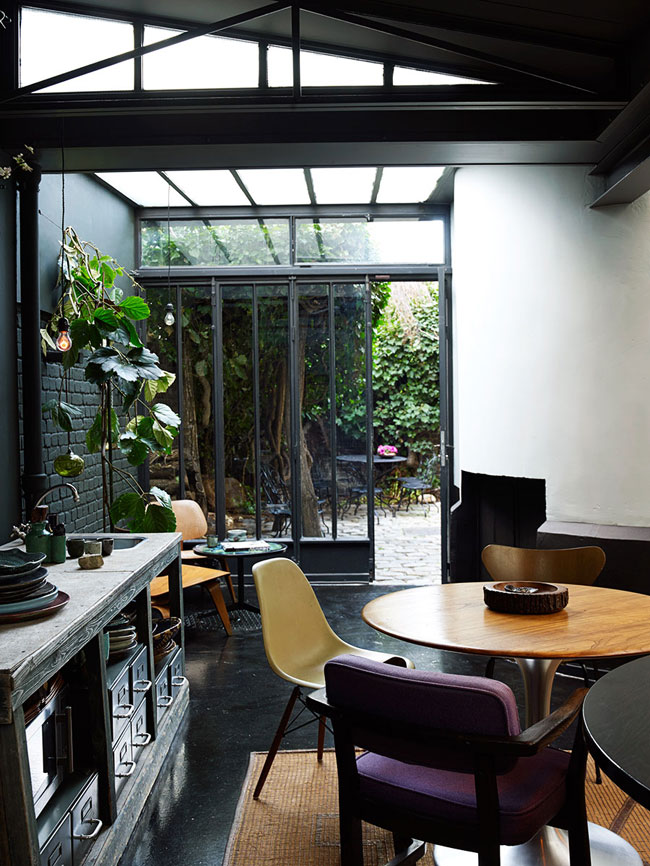 04-The-glazed-wall-and-ceiling-fill-the-house-with-light-which-is-essential-for-a-moody-kitchen