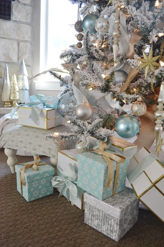 05-aqua-blue-silver-and-white-Christmas-decor
