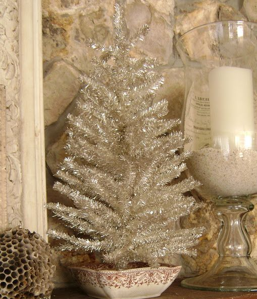 05-small-silver-tinsel-tree-in-a-bowl-for-vintage-decor